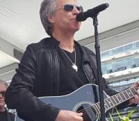 Bon Jovi naceremonii ukończenia uniwersytetu